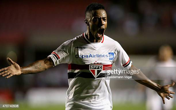 Michel Bastos of Sao Paulo celebrates scoring the second goal during a match between Sao Paulo and Corinthians as part of Group 2 of Copa Bridgestone...