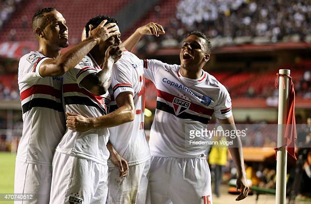 Michel Bastos of Sao Paulo celebrates scoring the second goal with his team during a match between Sao Paulo and Corinthians as part of Group 2 of...