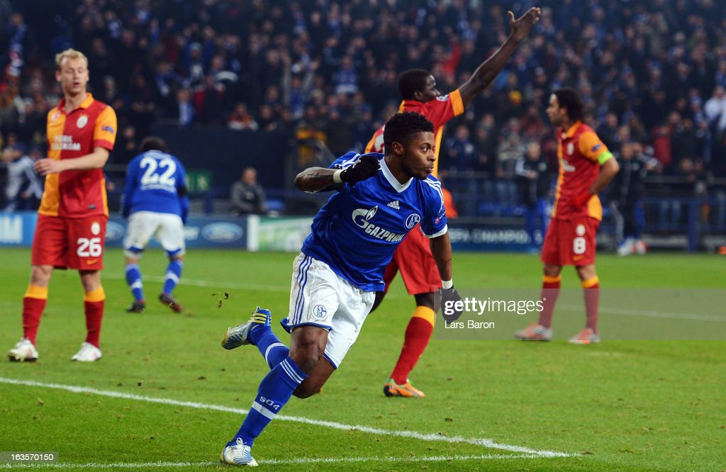 <a gi-track='captionPersonalityLinkClicked' href=/galleries/search?phrase=Michel+Bastos&family=editorial&specificpeople=1549621 ng-click='$event.stopPropagation()'>Michel Bastos</a> of Schalke celebrates after scoring his teams second goa during the UEFA Champions League round of 16 second leg match between FC Schalke 04 and Galatasaray AS at Veltins-Arena on March 12, 2013 in Gelsenkirchen, Germany.