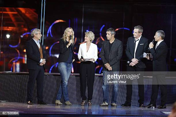 Michel Boujenah Sandrine Kiberlain Sophie Davant Julien Clerc Garou and Nagui attend 30th Telethon at Hippodrome de Longchamp on December 3 2016 in...