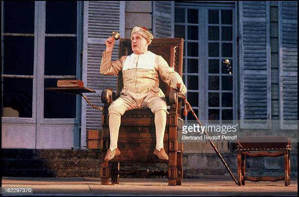 Michel Bouquet on stage at Anjou French Theater Festival in the play Le malade imaginaire by Moliere