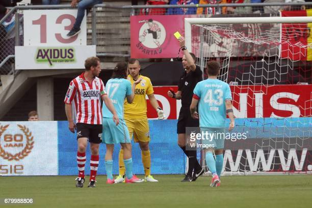 Michel Breuer of Sparta Rotterdam Enes Unal of FC Twente goalkeeper Roy Kortsmit of Sparta Rotterdam referee Ed Janssenduring the Dutch Eredivisie...