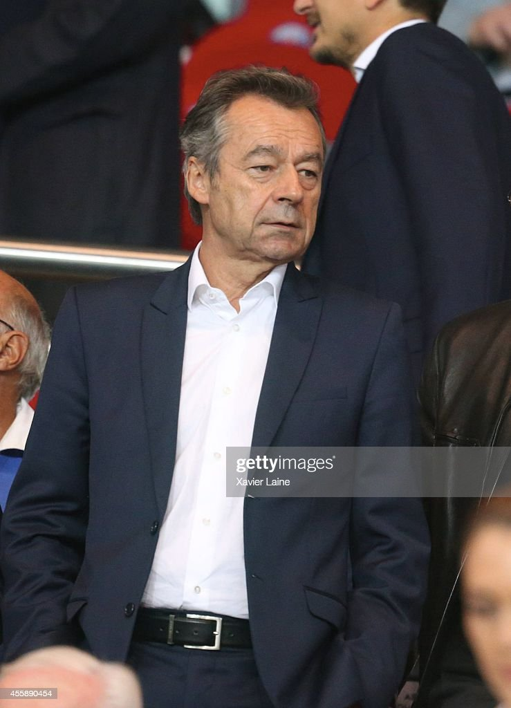 <a gi-track='captionPersonalityLinkClicked' href=/galleries/search?phrase=Michel+Denisot&family=editorial&specificpeople=753821 ng-click='$event.stopPropagation()'>Michel Denisot</a> attends the French Ligue 1 between Paris Saint-Germain FC and Olympique Lyonnais FC at Parc Des Princes on september 21, 2014 in Paris, France.