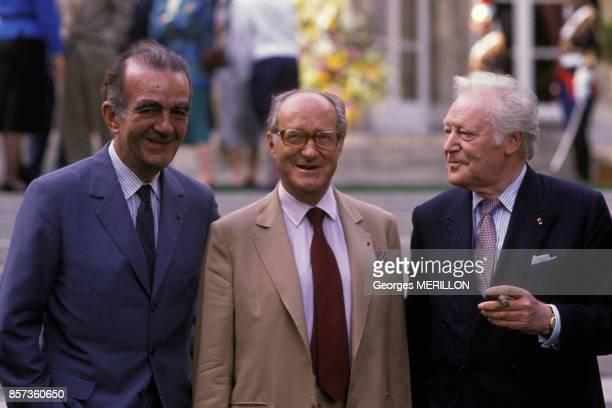 Michel Droit Alain Decaux et Maurice Druon invites a la reception a Matignon le 30 juin 1988 a Paris France