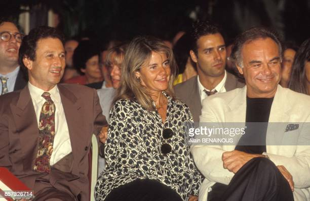 Michel Drucker Dominique Cantien et Laurent Cabrol lors de la presentation de la grille de rentree de TF1 le 25 aout 1992 a Paris France