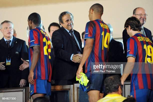 Michel PLATINI Thierry HENRY Barcelone / Shakhtar Donetsk Super Coupe d Europe 2009 Stade Louis II de Monaco