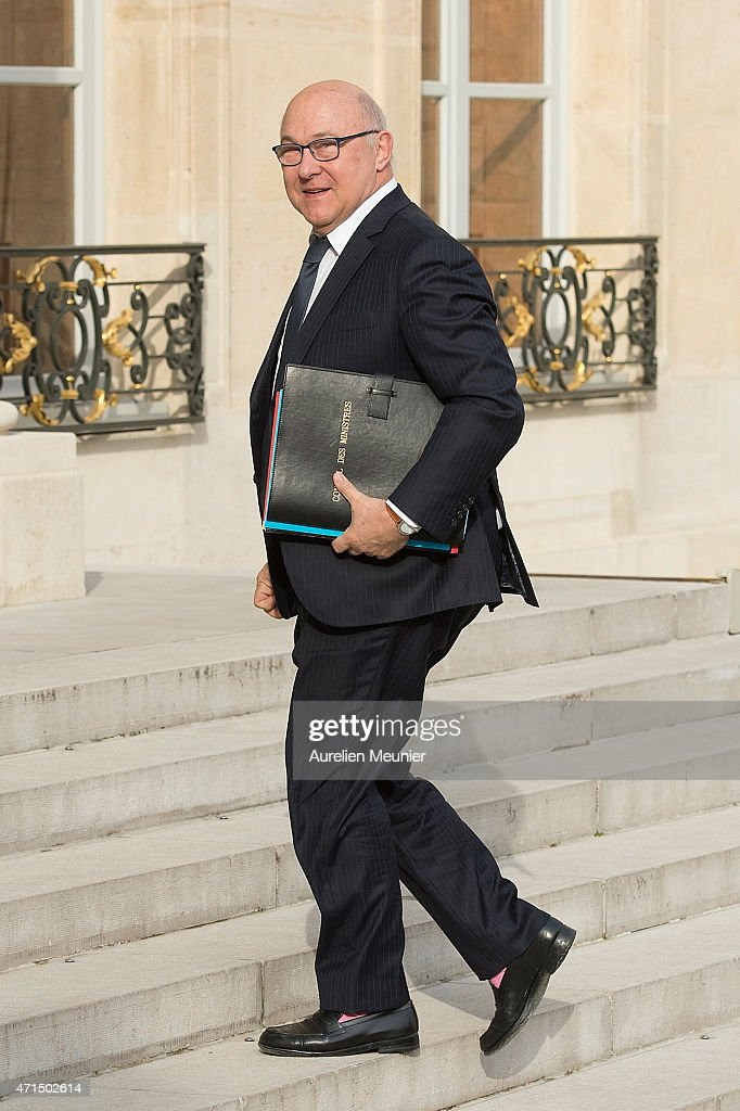 <a gi-track='captionPersonalityLinkClicked' href=/galleries/search?phrase=Michel+Sapin&family=editorial&specificpeople=668944 ng-click='$event.stopPropagation()'>Michel Sapin</a>, French Minister of Finance and the Public Accounts arrives to the Elysee Palace for the weekly cabinet meeting on April 29, 2015 in Paris, France.