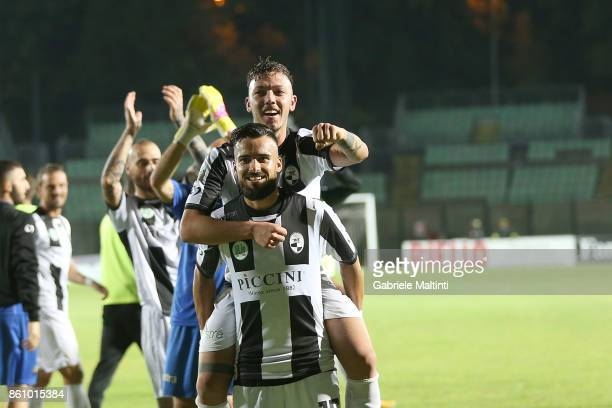 Michele Emmausso of Robur Siena celebrates after scoring a goal during the Serie Lega Pro match between Robur Siena and Pro Piacenza at Stadio...