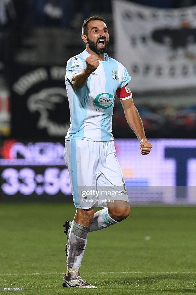 Michele Troiano of Virtus Entella celebrates a goal during the Serie B match between Virtus Entella and AC Spezia at Stadio Comunale on November 25, 2016 in Chiavari, Italy.
