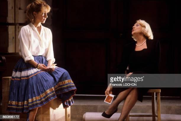 Micheline Presle et Nathalie Baye dans la pièce de théâtre 'Adriana Monti' le 18 septembre 1986 à Paris France