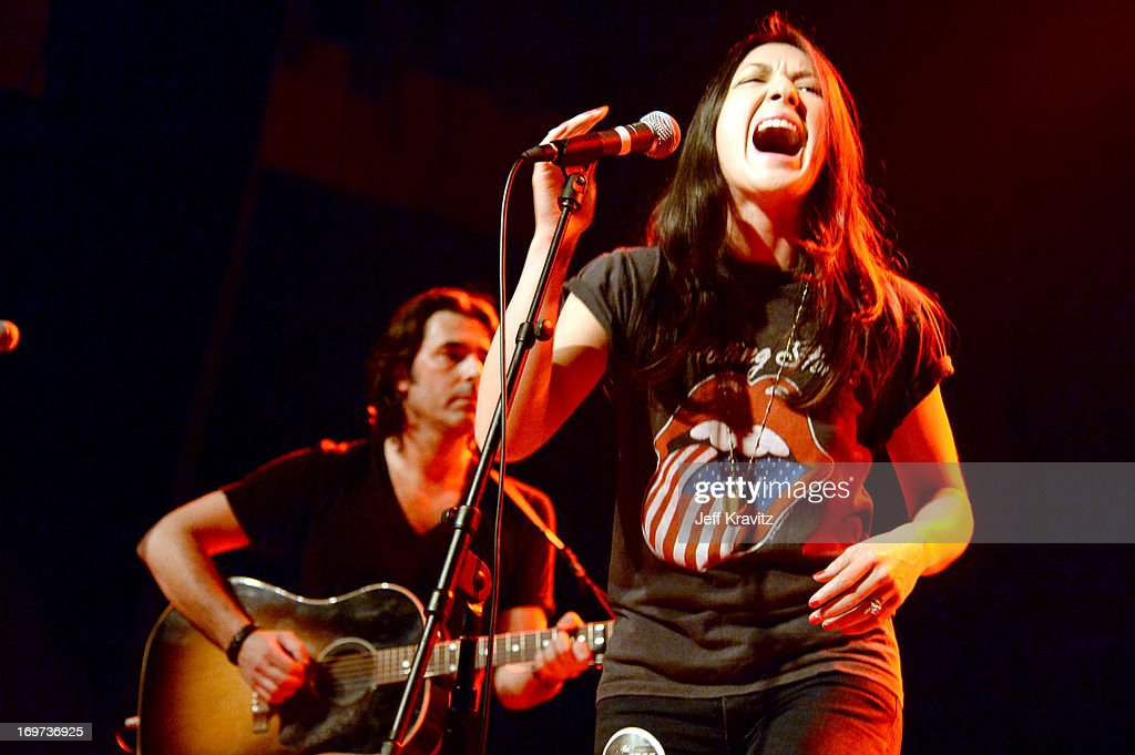 <a gi-track='captionPersonalityLinkClicked' href=/galleries/search?phrase=Michelle+Branch&family=editorial&specificpeople=209165 ng-click='$event.stopPropagation()'>Michelle Branch</a> performs at Henry Fonda Theater on May 30, 2013 in Hollywood, California.