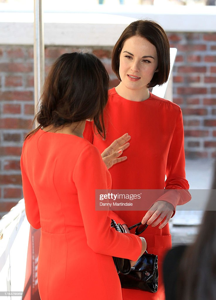 <a gi-track='captionPersonalityLinkClicked' href=/galleries/search?phrase=Michelle+Dockery&family=editorial&specificpeople=4047702 ng-click='$event.stopPropagation()'>Michelle Dockery</a> (R) and <a gi-track='captionPersonalityLinkClicked' href=/galleries/search?phrase=Freida+Pinto&family=editorial&specificpeople=5518973 ng-click='$event.stopPropagation()'>Freida Pinto</a> chat on day 2 of the 70th Venice International Film Festival on August 29, 2013 in Venice, Italy.