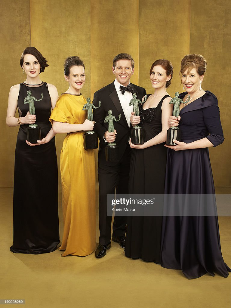 Michelle Dockery, Sophie McShera, Allen Leech, Amy Nuttall and Phyllis Logan pose during the 19th Annual Screen Actors Guild Awards at The Shrine Auditorium on January 27, 2013 in Los Angeles, California. (Photo by Kevin Mazur/WireImage) 23116_027_0244_R.jpg