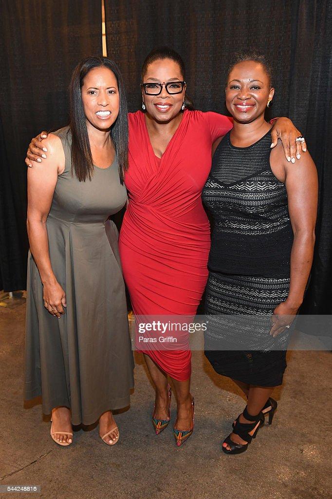 EXCLUSIVE Michelle Ebanks President of ESSENCE Magazine Oprah Winfrey and Vanessa K De Luca is EditorinChief of ESSENCE Magazine pose backstage...