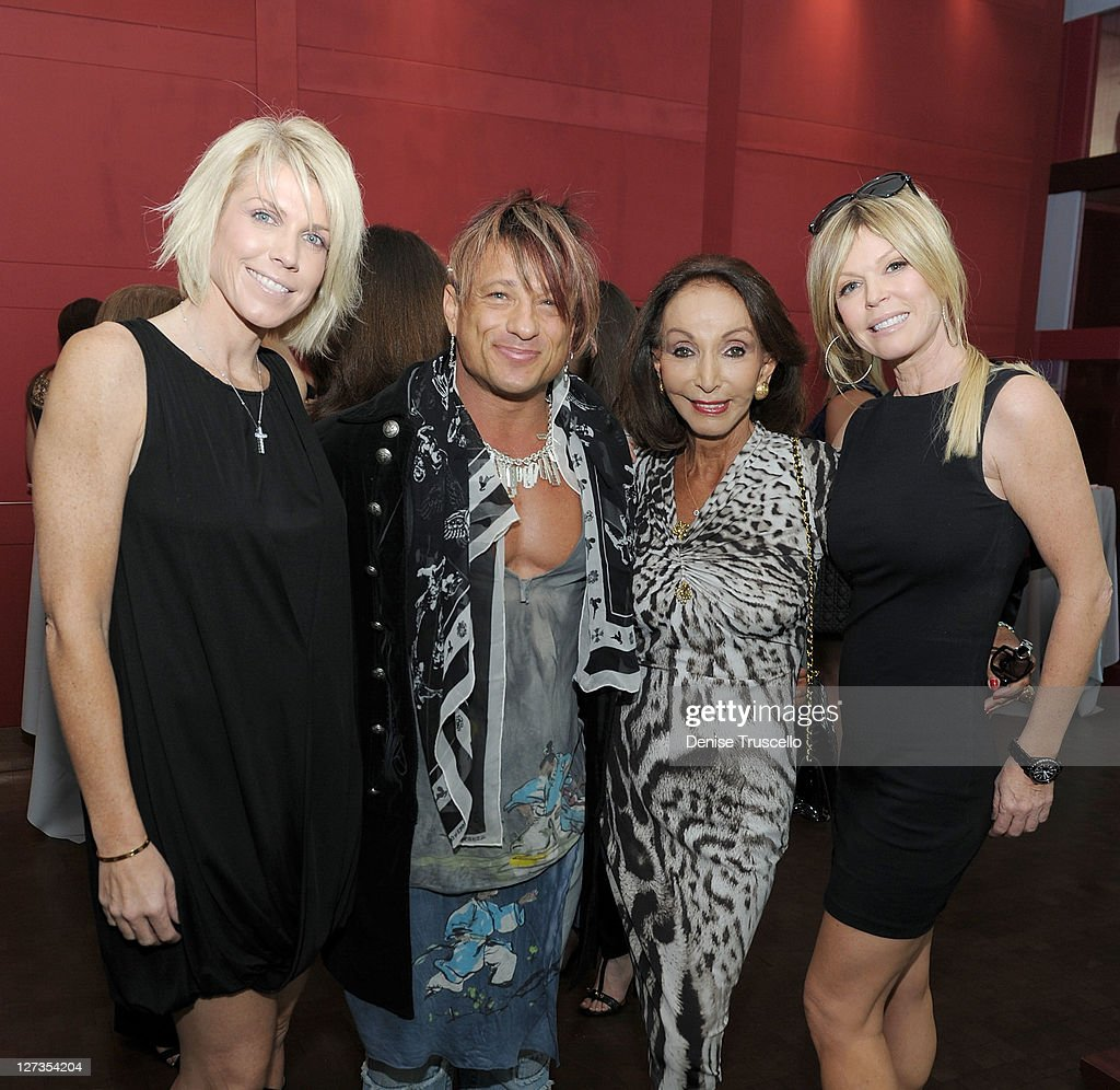 David Barton Hosts A Fashionable Luncheon Honoring Diane's ...