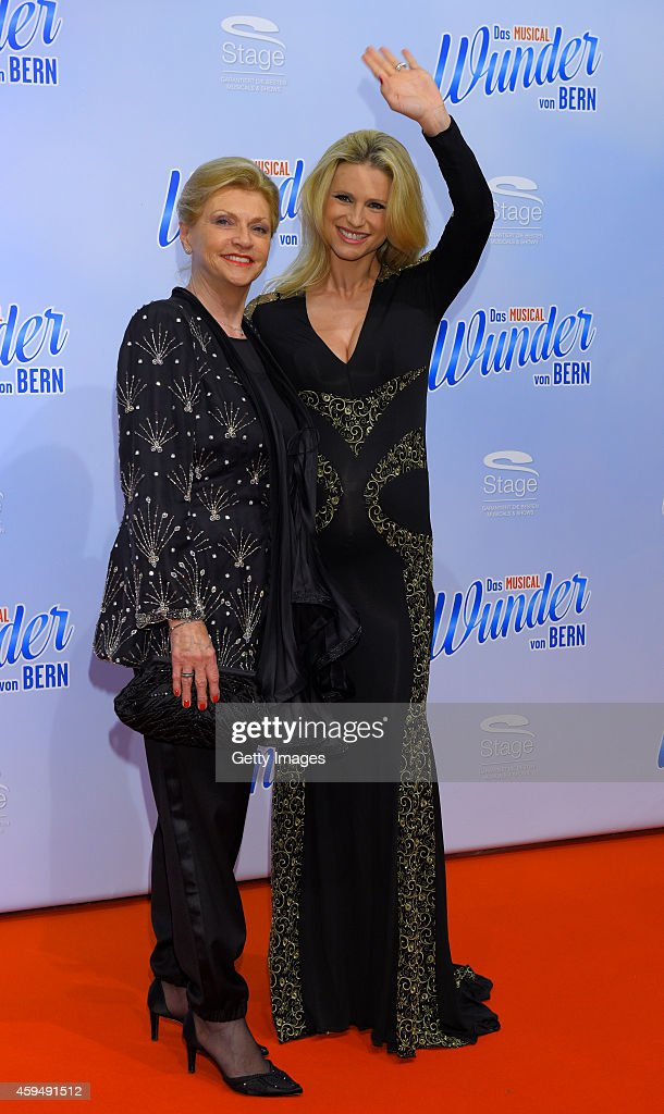 Michelle Hunziker and her mother Ineke attend the 'Das Wunder von Bern' musical premiere on November 23 2014 in Hamburg Germany