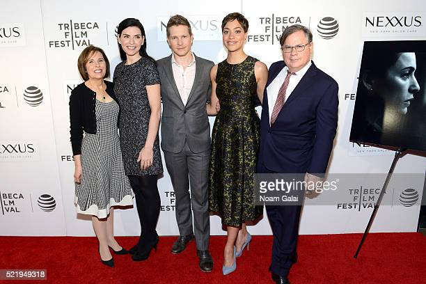 Michelle King Julianna Margulies Matt Czuchry Cush Jumbo and Robert King attend the Tribeca Tune In The Good Wife at BMCC John Zuccotti Theater on...
