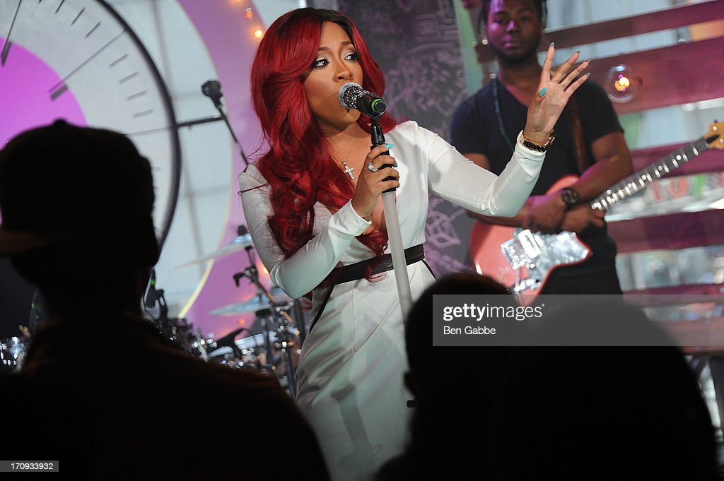 K. Michelle performs during the MTV, VH1, CMT & LOGO 2013 O Music Awards on June 20, 2013 in New York City.