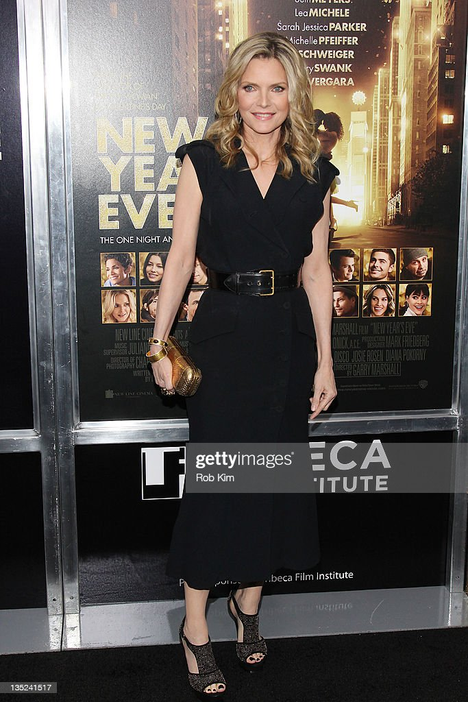 <a gi-track='captionPersonalityLinkClicked' href=/galleries/search?phrase=Michelle+Pfeiffer&family=editorial&specificpeople=212951 ng-click='$event.stopPropagation()'>Michelle Pfeiffer</a> attends the 'New Year's Eve' premiere at the Ziegfeld Theatre on December 7, 2011 in New York City.
