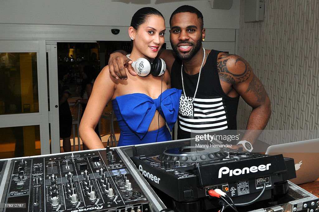 Michelle Pooch and <a gi-track='captionPersonalityLinkClicked' href=/galleries/search?phrase=Jason+Derulo&family=editorial&specificpeople=5745869 ng-click='$event.stopPropagation()'>Jason Derulo</a> attend the CIROC Amaretto Launch Event at Dream Hotel South Beach on August 27, 2013 in Miami, Florida.