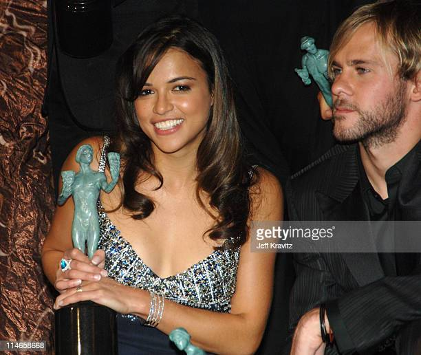 Michelle Rodriguez and Dominic Monaghan of 'Lost' winner Outstanding Performance by an Ensemble in a Drama Series