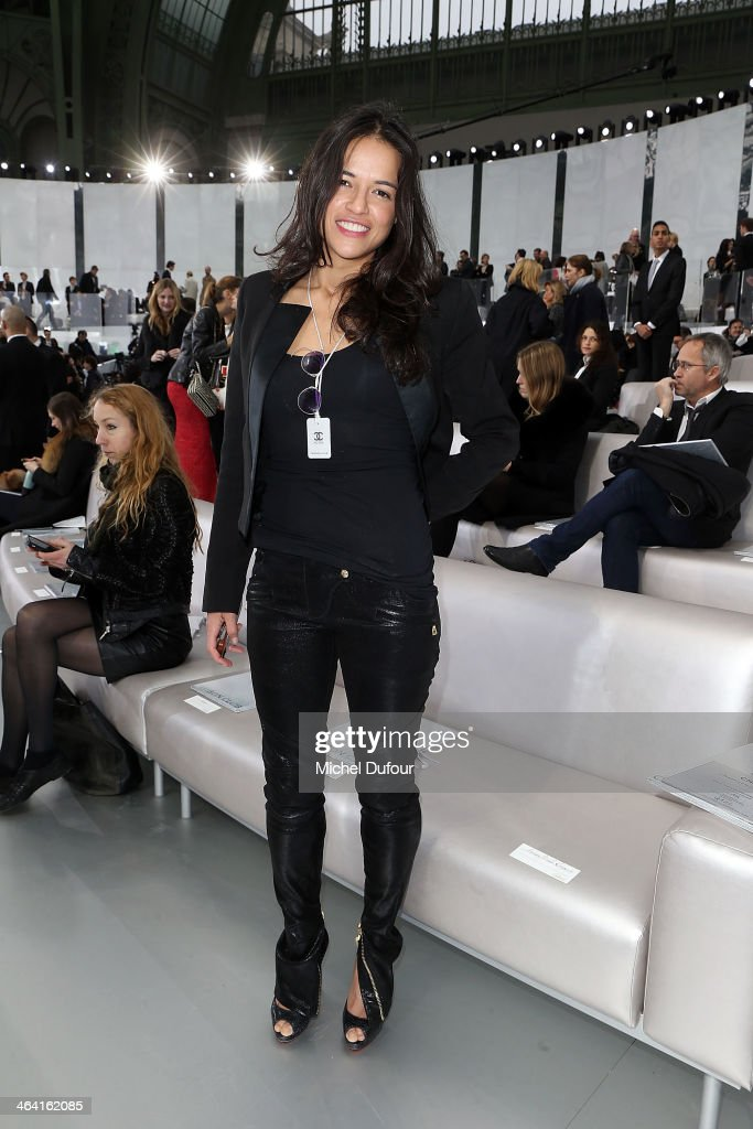 <a gi-track='captionPersonalityLinkClicked' href=/galleries/search?phrase=Michelle+Rodriguez&family=editorial&specificpeople=206182 ng-click='$event.stopPropagation()'>Michelle Rodriguez</a> attends the Chanel show as part of Paris Fashion Week Haute Couture Spring/Summer 2014 on January 21, 2014 in Paris, France.
