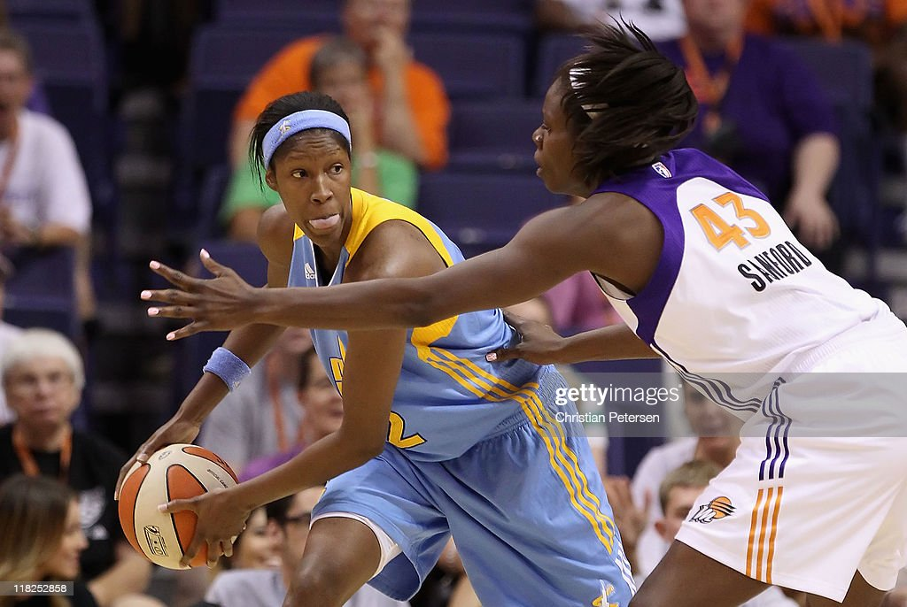 <a gi-track='captionPersonalityLinkClicked' href=/galleries/search?phrase=Michelle+Snow&family=editorial&specificpeople=208195 ng-click='$event.stopPropagation()'>Michelle Snow</a> #2 of the Chicago Sky handles the ball against the Phoenix Mercury during the WNBA game at US Airways Center on July 1, 2011 in Phoenix, Arizona. The Mercury defeated the Sky 97-84.