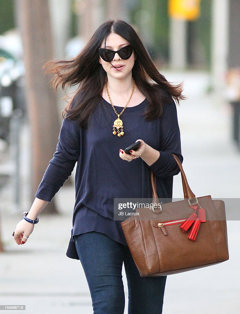<a gi-track='captionPersonalityLinkClicked' href=/galleries/search?phrase=Michelle+Trachtenberg&family=editorial&specificpeople=202081 ng-click='$event.stopPropagation()'>Michelle Trachtenberg</a> is seen on November 6, 2012 in Los Angeles, California.