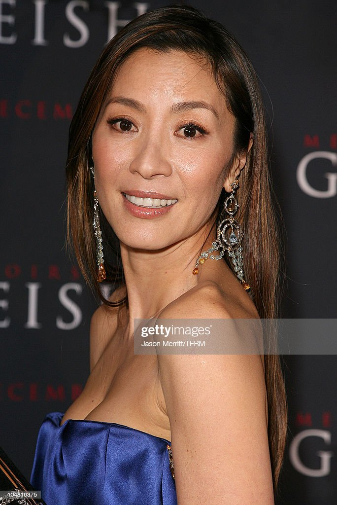 <a gi-track='captionPersonalityLinkClicked' href=/galleries/search?phrase=Michelle+Yeoh&family=editorial&specificpeople=223894 ng-click='$event.stopPropagation()'>Michelle Yeoh</a> during 'Memoirs of a Geisha' Los Angeles Premiere - Arrivals at Kodak Theatre in Hollywood, California, United States.
