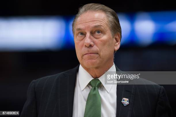 Michigan State Spartans head coach Tom Izzo looks up at the scoreboard during the State Farm Champions Classic basketball game between the Duke Blue...