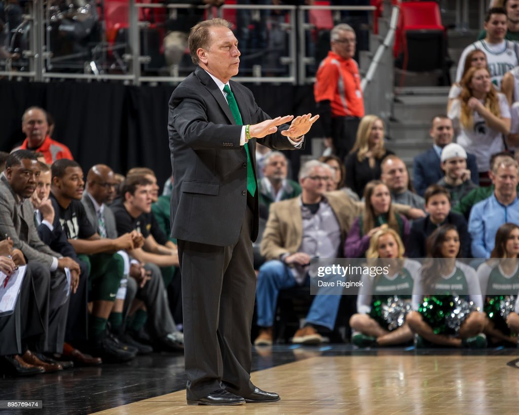 Michigan State Spartans head coach Tom Izzo talks to his players from the sidelines against the Oakland Golden Grizzlies during game two of the Hitachi College Basketball Showcase at Little Caesars Arena on December 16, 2017 in Detroit, Michigan. The Spartans defeated the Grizzles 86-73.