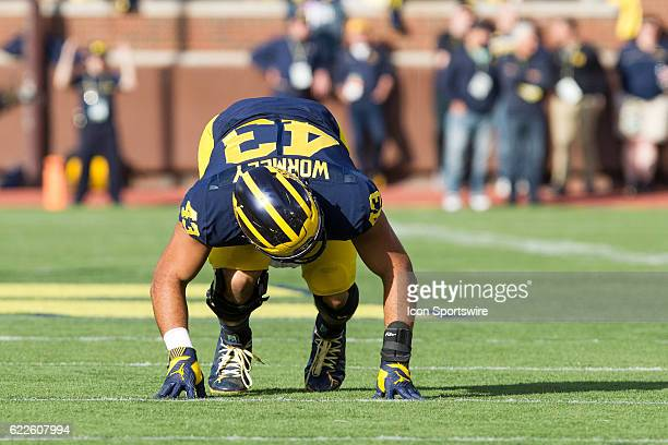 Michigan Wolverines defensive end Chris Wormley waits for the ball to be snapped during game action between the Maryland Terrapins and the Michigan...