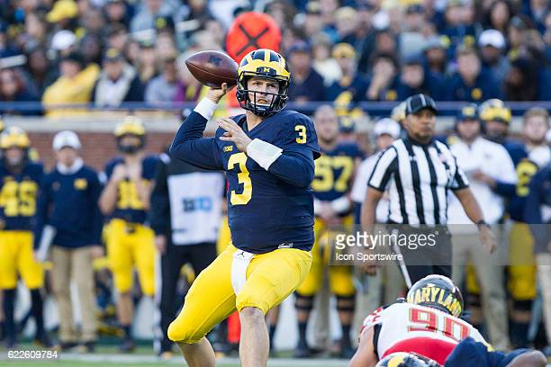 Michigan Wolverines quarterback Wilton Speight throws a pass during game action between the Maryland Terrapins and the Michigan Wolverines on...