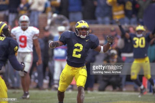 michigans-charles-woodson-during-a-nov-22-1997-game-at-ann-arbor-mich-picture-id110319281?s=594x594