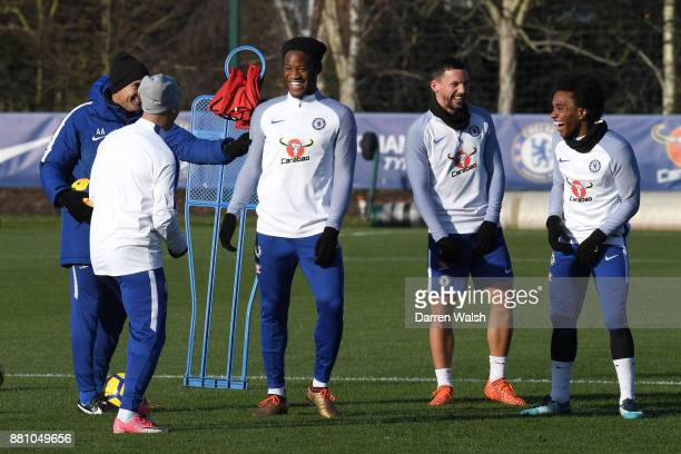 Michy Batshuayi Danny Drinkwater and Willian of Chelsea during a training session at Chelsea Training Ground on November 28 2017 in Cobham England