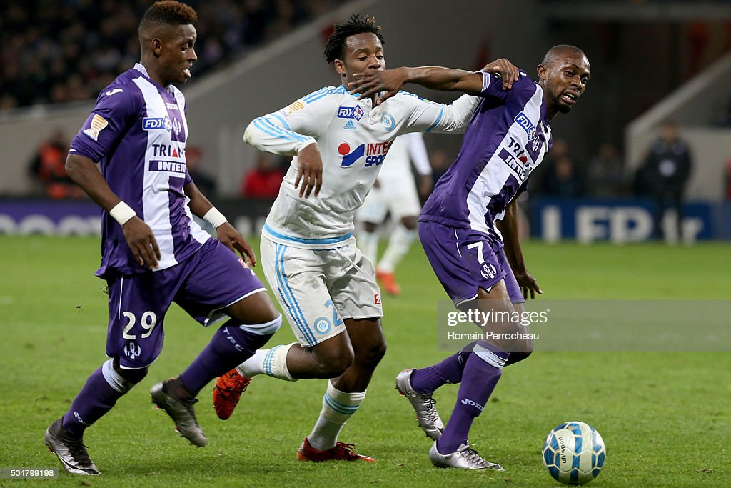 <a gi-track='captionPersonalityLinkClicked' href=/galleries/search?phrase=Michy+Batshuayi&family=editorial&specificpeople=8599446 ng-click='$event.stopPropagation()'>Michy Batshuayi</a> (C) for Marseille battle for the ball with Jean Daniel Akpa Akpro (R) and Jacques Francois Moubandje during the French League Cup quarter final between Toulouse and Marseille at Stadium Municipal on January 13, 2016 in Toulouse, France.