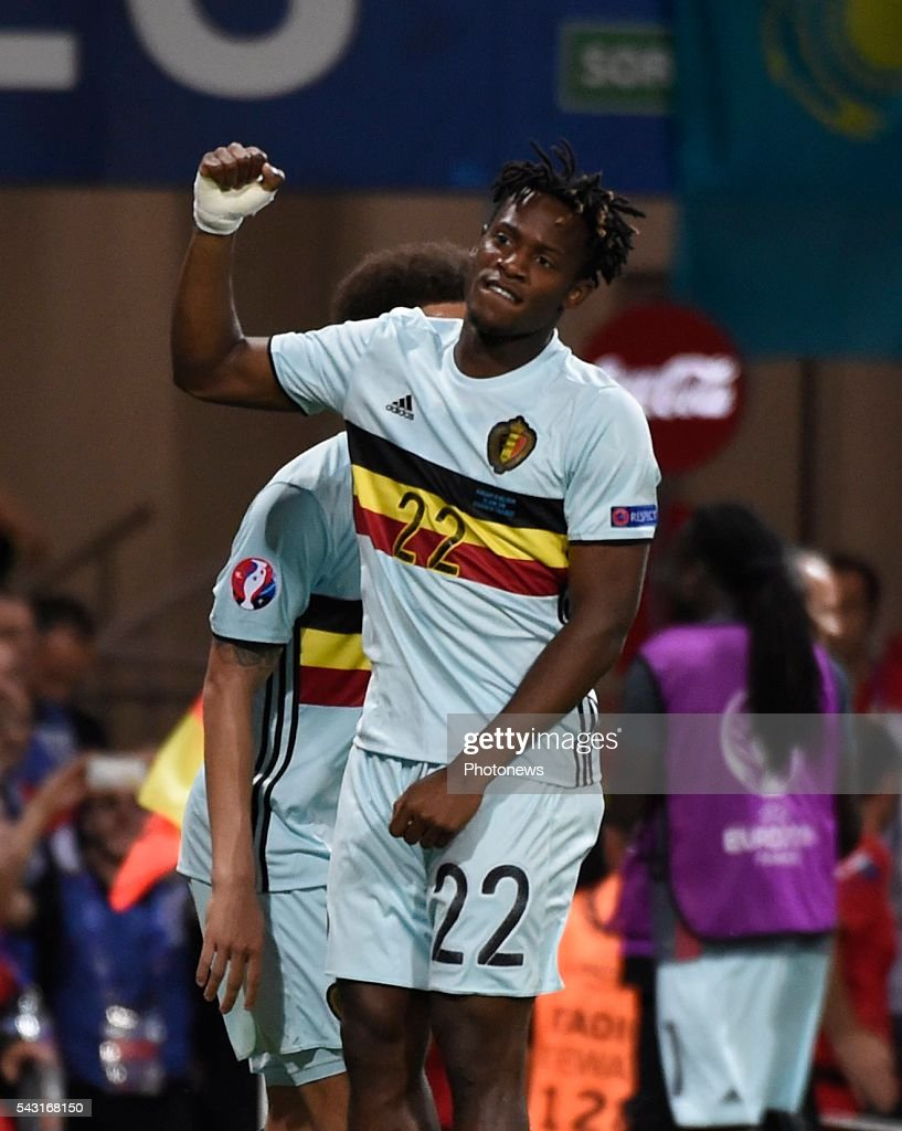Michy Batshuayi forward of Belgium celebrates with teammates after scoring during the UEFA EURO 2016 Round of 16 match between Hungary and Belgium at the Stadium Toulouse on June 26, 2016 in Toulouse, France ,