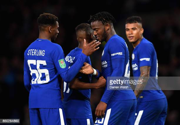 Michy Batshuayi of Chelsea celebrates scoring his sides fifth goal with his Chelsea team mates during the Carabao Cup Third Round match between...