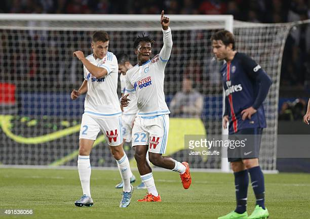Michy Batshuayi of OM celebrates his goal during the French Ligue 1 match between Paris SaintGermain FC and Olympique de Marseille at Parc des...