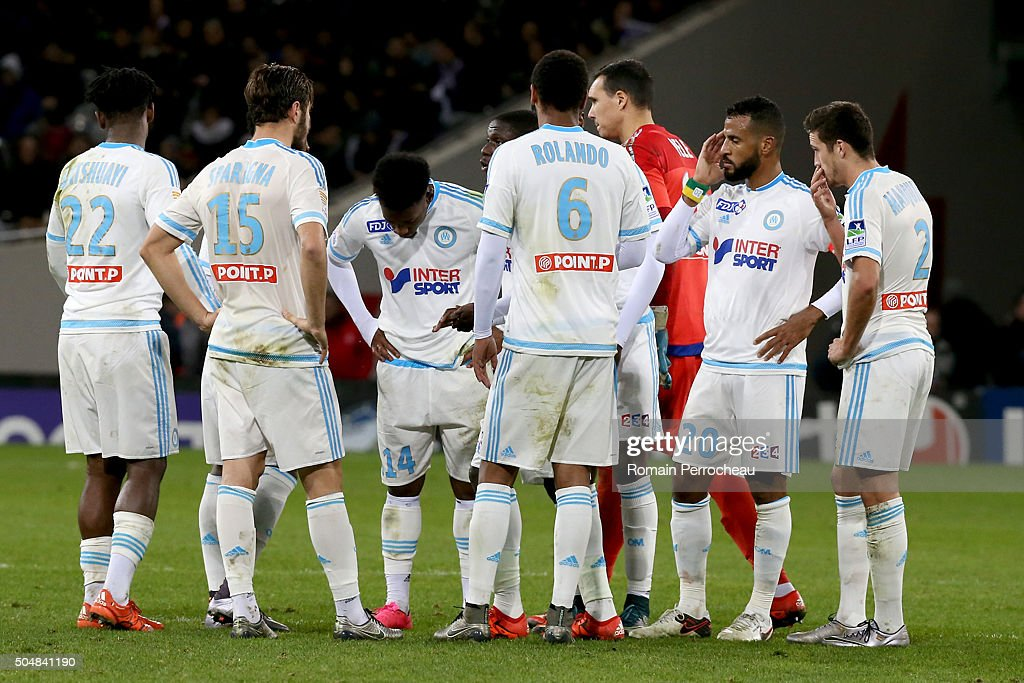 Michy Batshuayi, Stephane Sparagna, George Kevin Nkoudou, Rolando, Yohann Pele, Alaixys Romao and Javier Manquillo for Marseille during the French League Cup quarter final between Toulouse and Marseille at Stadium Municipal on January 13, 2016 in Toulouse, France.