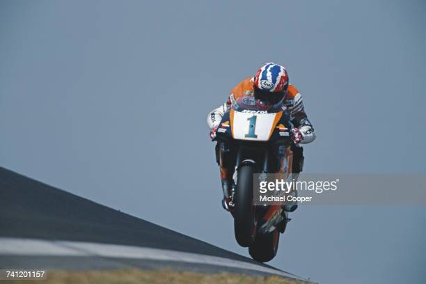 Mick Doohan of Australia riding the Repsol Honda NSR500 during the French motorcycle Grand Prix on 9 July 1995 at the Bugatti Circuit Le Mans France