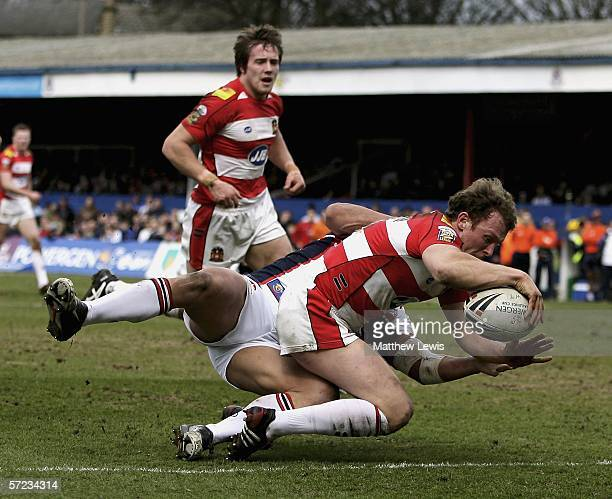 Mick Higham of Wigan scores a try during the Powergen Challenge Cup 4th Round match between Wakefield Trinity Wildcats and Wigan Warriors at Atlantic...