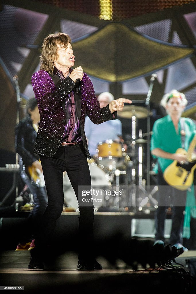 <a gi-track='captionPersonalityLinkClicked' href=/galleries/search?phrase=Mick+Jagger&family=editorial&specificpeople=201786 ng-click='$event.stopPropagation()'>Mick Jagger</a> and <a gi-track='captionPersonalityLinkClicked' href=/galleries/search?phrase=Keith+Richards+-+Musician&family=editorial&specificpeople=202882 ng-click='$event.stopPropagation()'>Keith Richards</a> of The Rolling Stones perform on stage at Park HaYarkon on June 4, 2014 in Tel Aviv, Israel.
