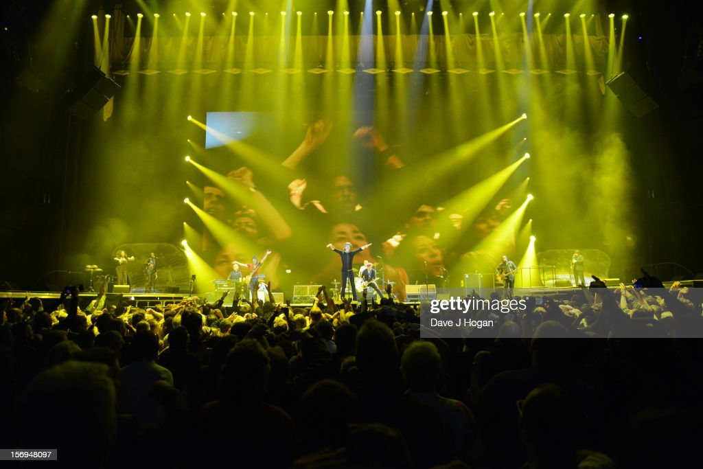<a gi-track='captionPersonalityLinkClicked' href=/galleries/search?phrase=Mick+Jagger&family=editorial&specificpeople=201786 ng-click='$event.stopPropagation()'>Mick Jagger</a>, Ronnie Wood, <a gi-track='captionPersonalityLinkClicked' href=/galleries/search?phrase=Keith+Richards+-+Musician&family=editorial&specificpeople=202882 ng-click='$event.stopPropagation()'>Keith Richards</a> and <a gi-track='captionPersonalityLinkClicked' href=/galleries/search?phrase=Charlie+Watts&family=editorial&specificpeople=213325 ng-click='$event.stopPropagation()'>Charlie Watts</a> of the Rolling Stones perform at 02 Arena on November 25, 2012 in London, England.