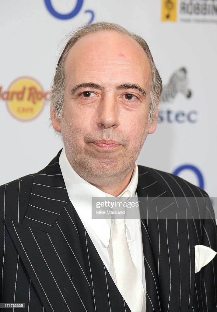 <a gi-track='captionPersonalityLinkClicked' href=/galleries/search?phrase=Mick+Jones+-+Musiker+-+The+Clash&family=editorial&specificpeople=212985 ng-click='$event.stopPropagation()'>Mick Jones</a> attends the Nordoff Robbins Silver Clef Awards at London Hilton on June 28, 2013 in London, England.