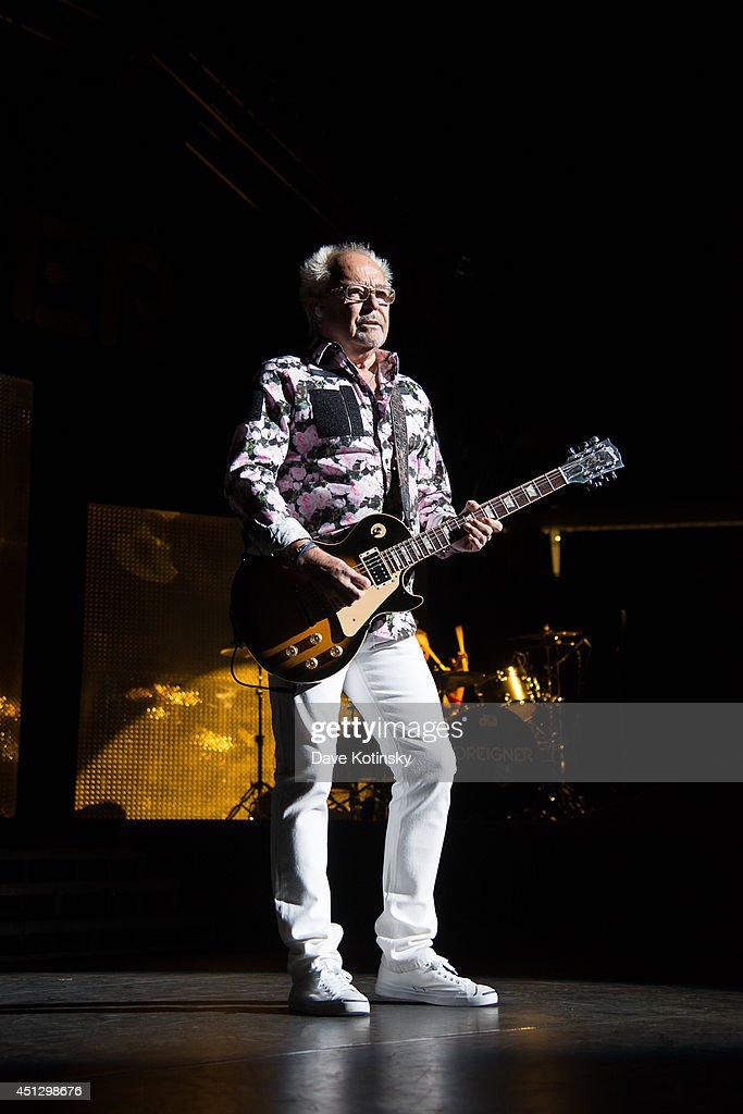 <a gi-track='captionPersonalityLinkClicked' href=/galleries/search?phrase=Mick+Jones+-+Musician+-+Foreigner&family=editorial&specificpeople=11267705 ng-click='$event.stopPropagation()'>Mick Jones</a> of the group Foreigner performs at Prudential Center on June 26, 2014 in Newark, New Jersey.
