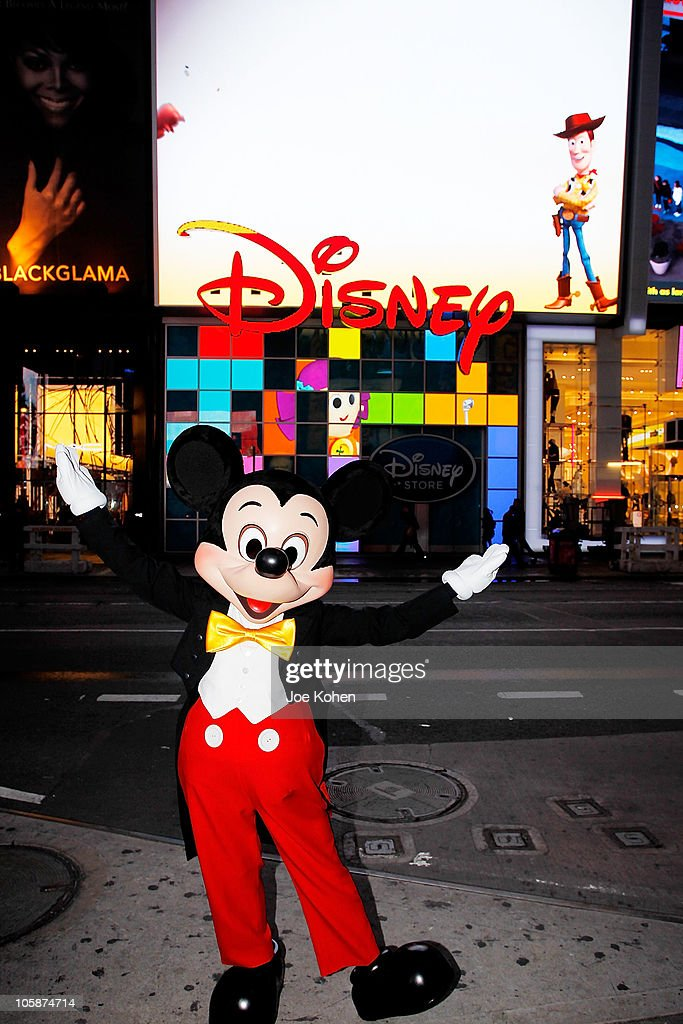 Mickey mouse unveils disney store 39 s new digital billboard in times square getty images - Disney store mickey mouse ...