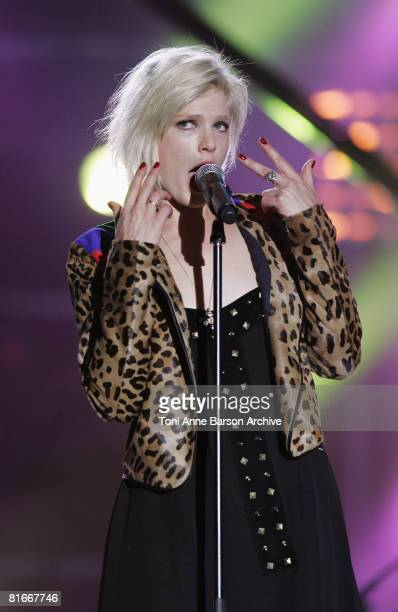 Micky Green performs at the France 2 Television's 'Fete de la Musique' at the Auteuil Horse track on June 21 in Paris France