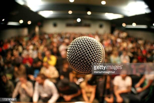 マイクロフォン、群衆