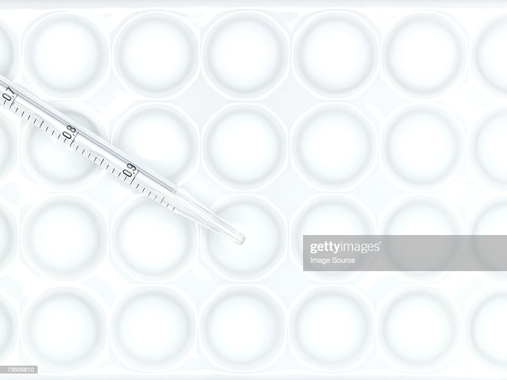 Microplate and pipette